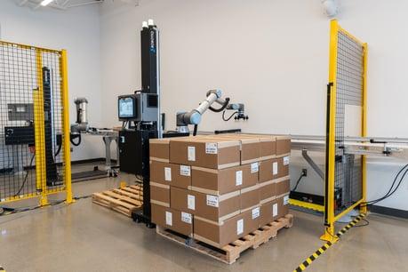 Robotiq Palletizing Solution_071_Boxes_04-2021